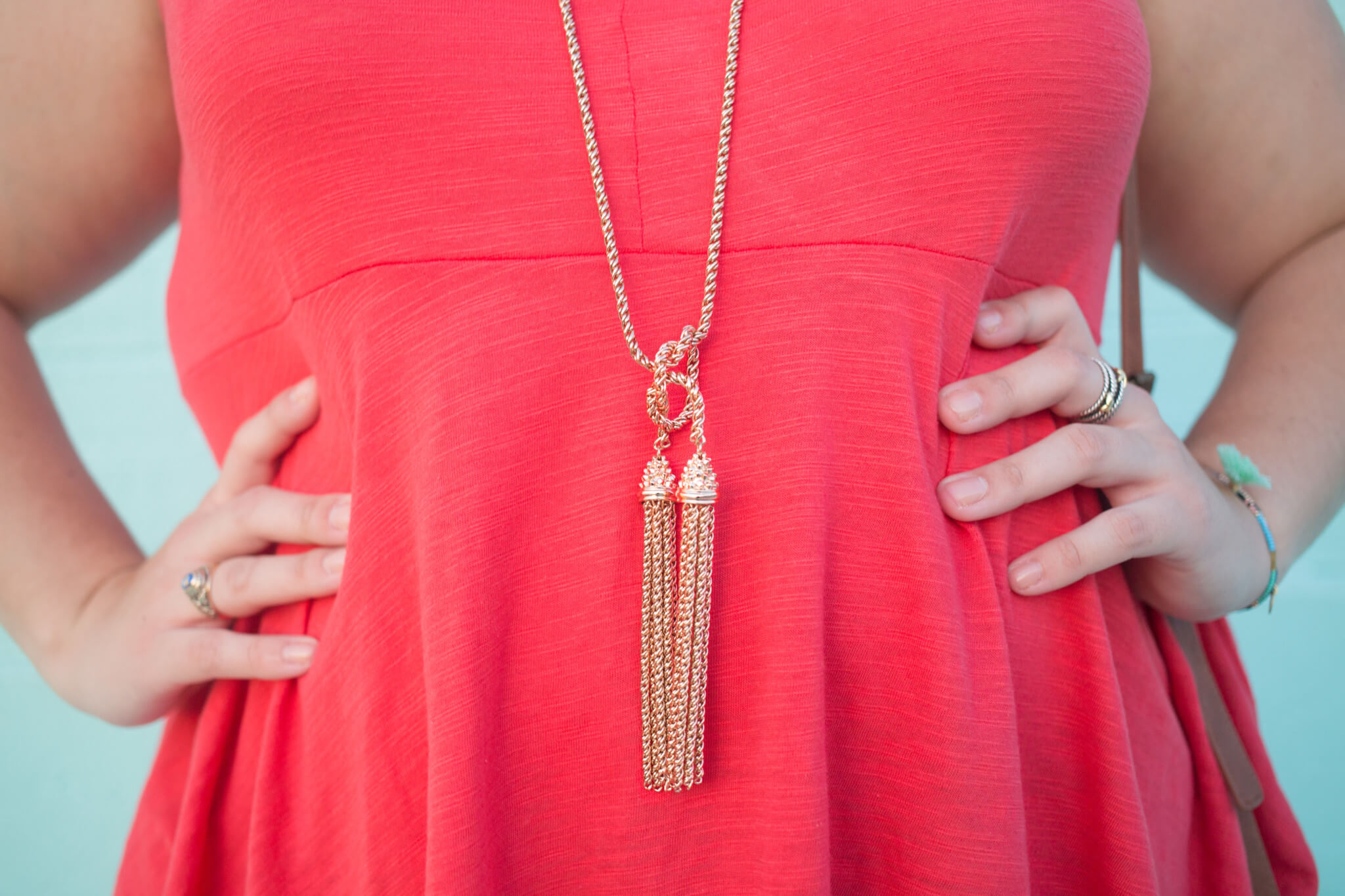 This Kendra Scott tassel necklace is the perfect addition to any outfit | Something Gold, Something Blue a curvy fashion blog by Emily Bastedo