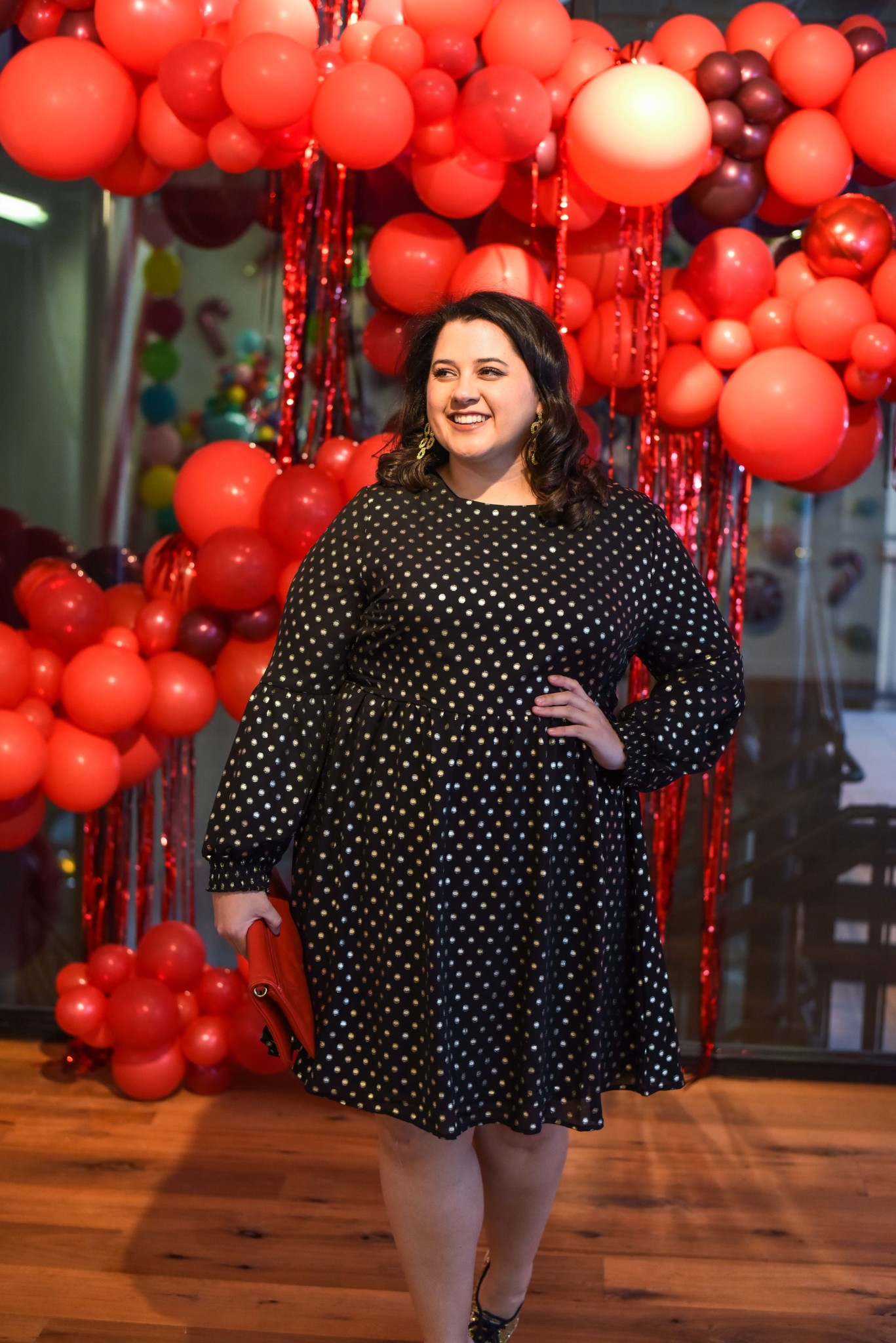 Finding the perfect holiday dress can be difficult. Plus size fashion blogger, Something Gold, Something Blue shares a LBD that can be worn for the holidays and throughout the years. #holidaystyle