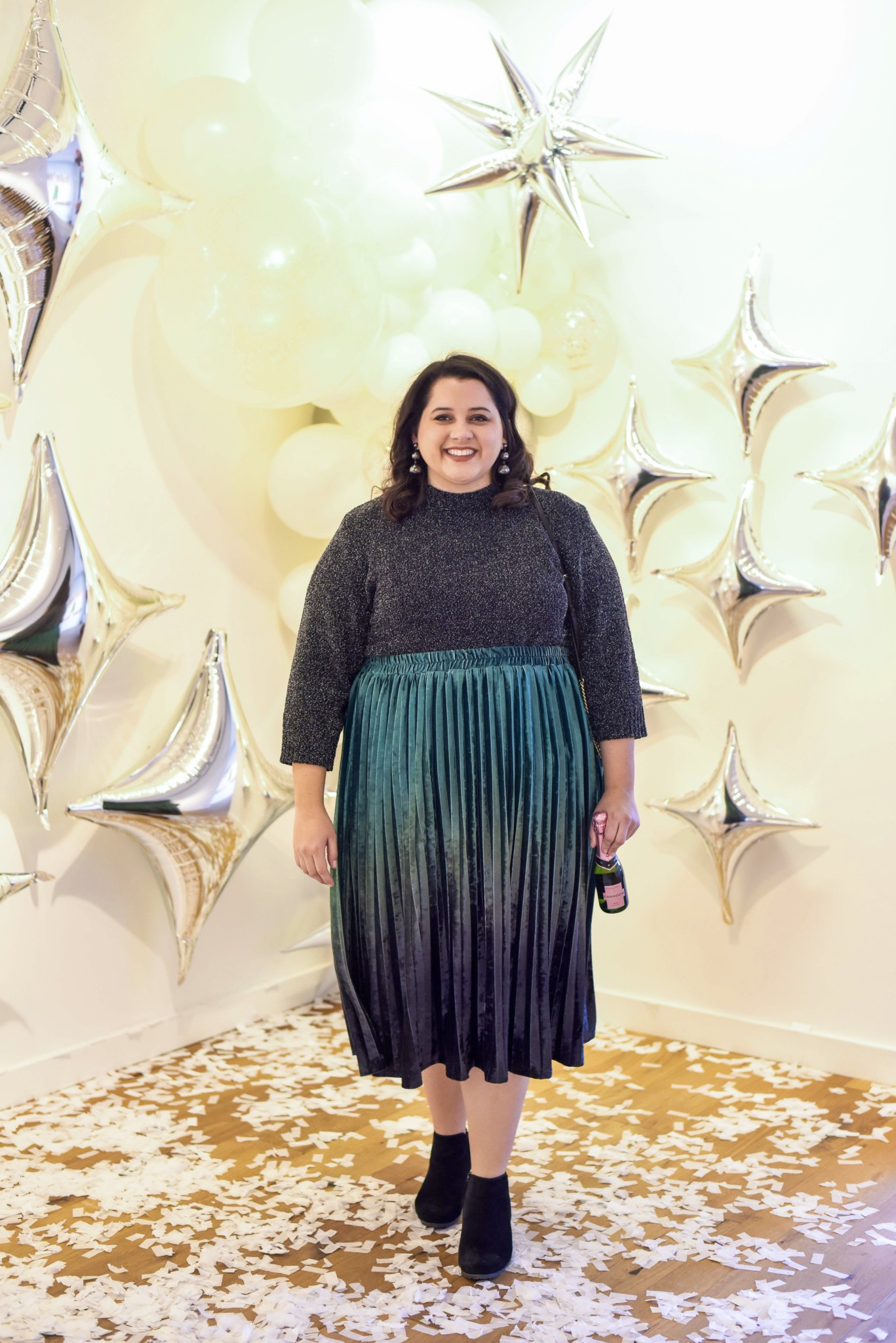 A plus size New Year's Eve outfit that is perfect for a night on the town or a more casual ringing in of the New Year's at a friend's house