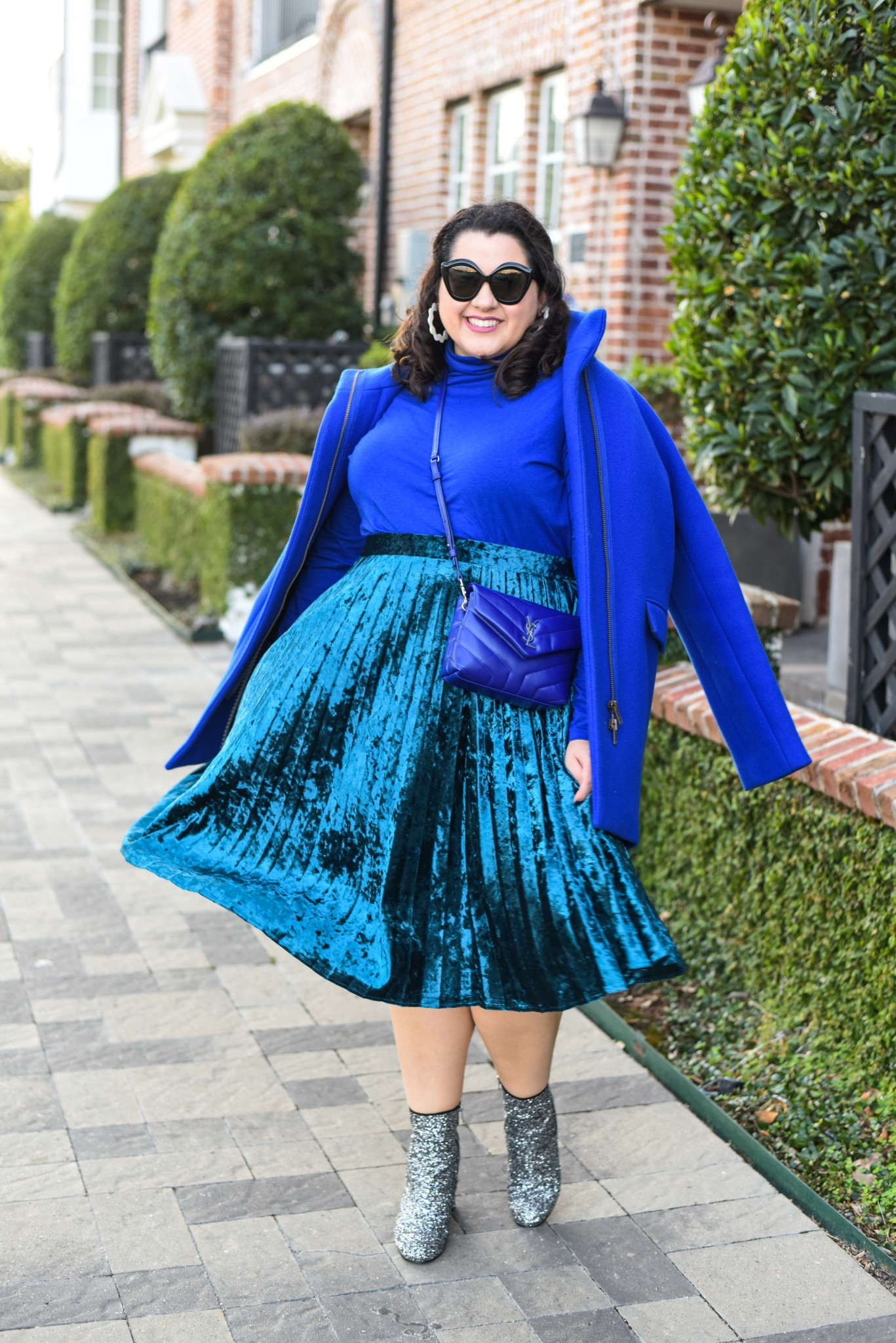 Plus size blue monochromatic outfit styled by Emily from the style and travel blog, Something Gold, Something Blue.