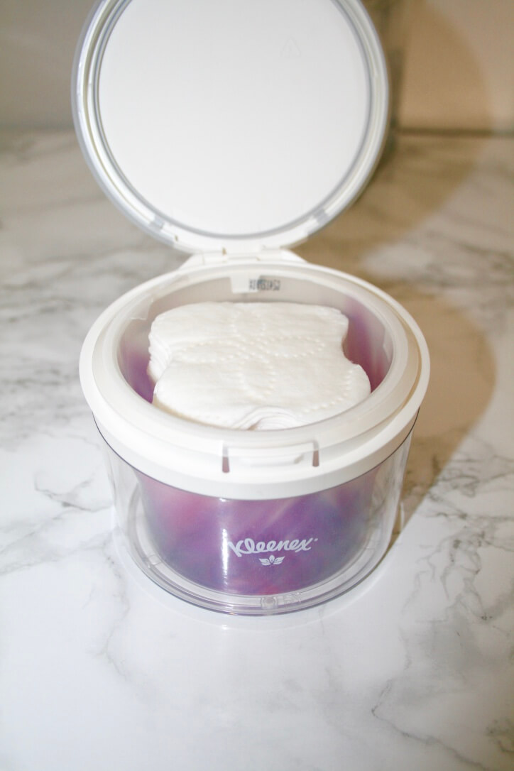 How to have gorgeous skin while traveling   Something Gold, Something Blue Lifestyle Blog   When traveling for work, I need a skincare routine that's quick and effective. Kleenex's new facial cleansing system is perfect for helping me take off all the dirt and grime from the day.