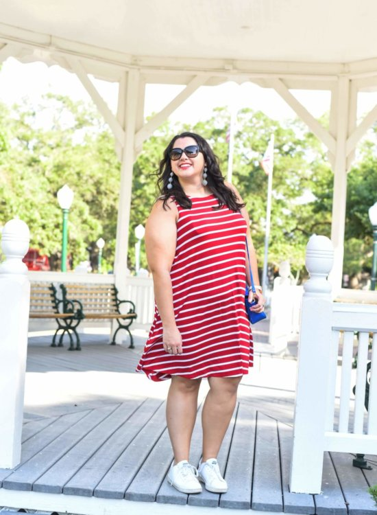 Looking for the perfect 4th of July outfit? Emily Bastedo from the curvy style blog, Something Gold, Something Blue is sharing a light and breezy red and white striped dress paired a blue accent bag. Summer style, Sneakers with dresses, Curvy style