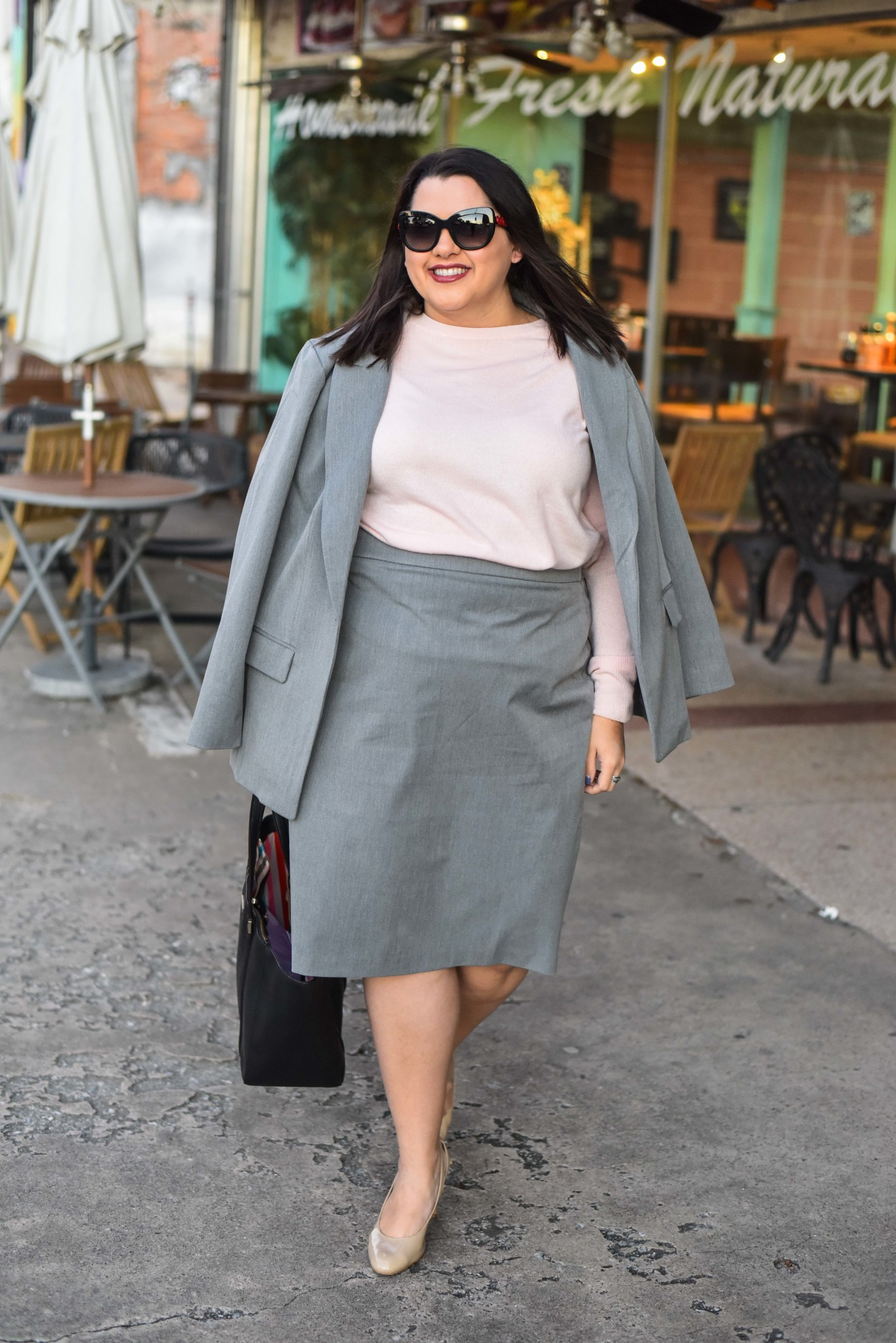 Walking into a new work week in Eloquii's Premier Workwear collection #plussizeworkstyle