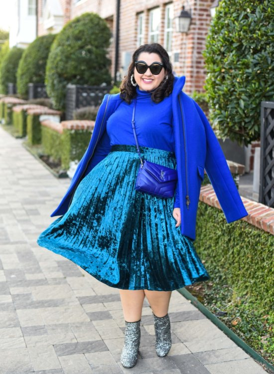 Plus size monochromatic blue outfit styled by Emily from the style and travel blog, Something Gold, Something Blue.