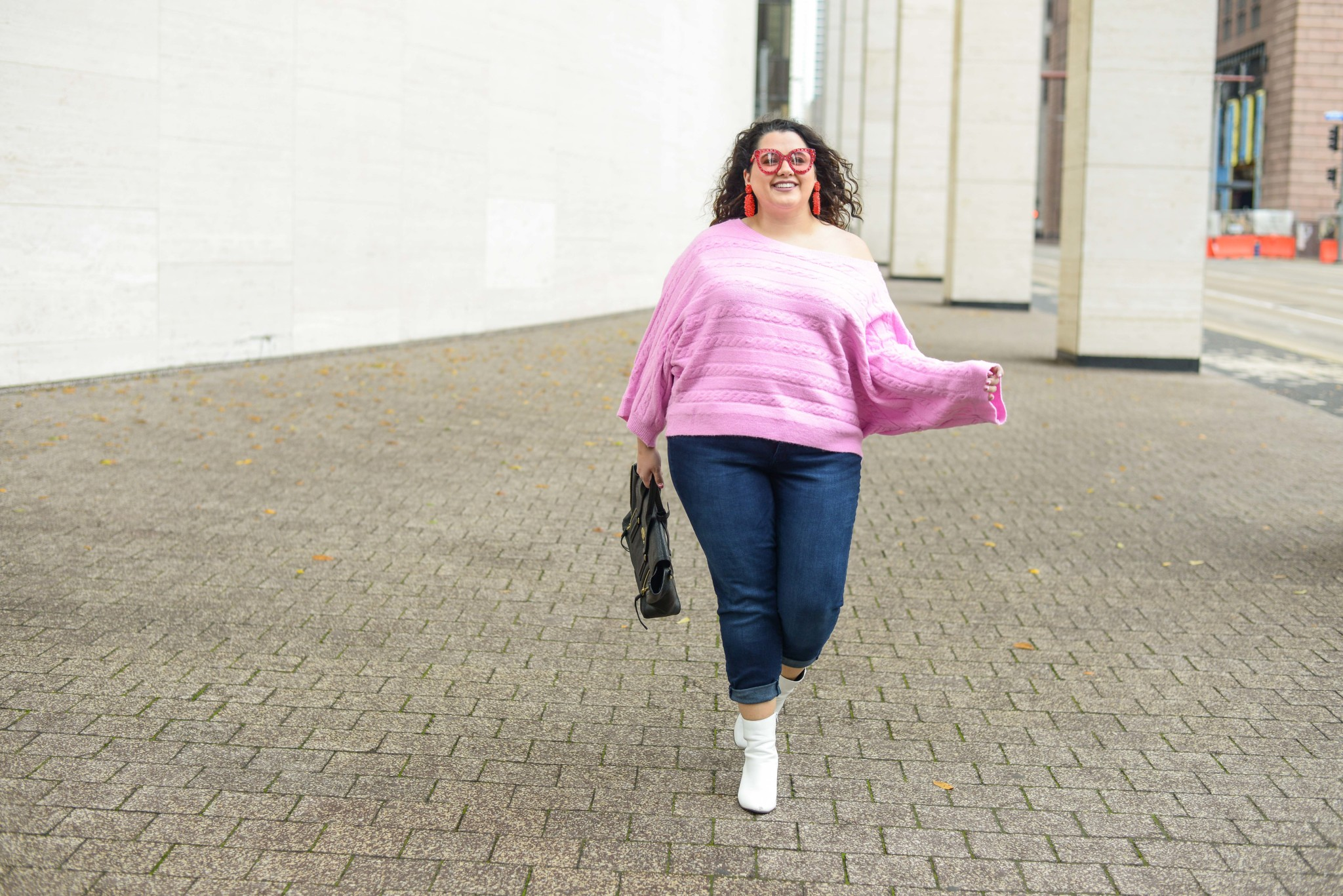 Plus size Valentine's Day date night outfit