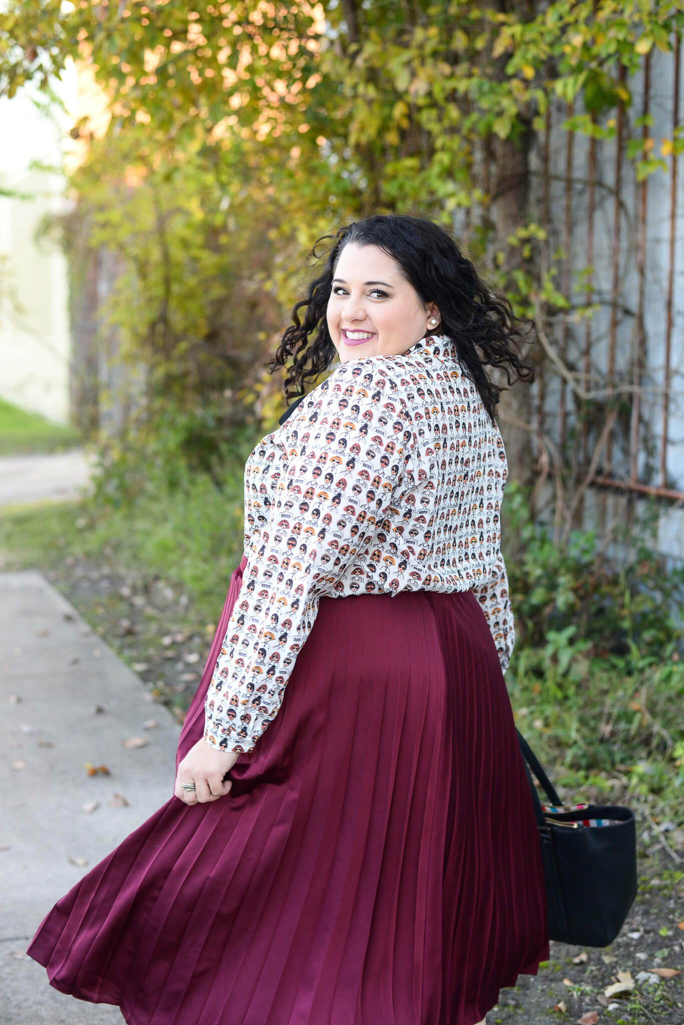 Did someone say that a fabulous white blouse exists?!? Yep, I found it and am styling it two different ways