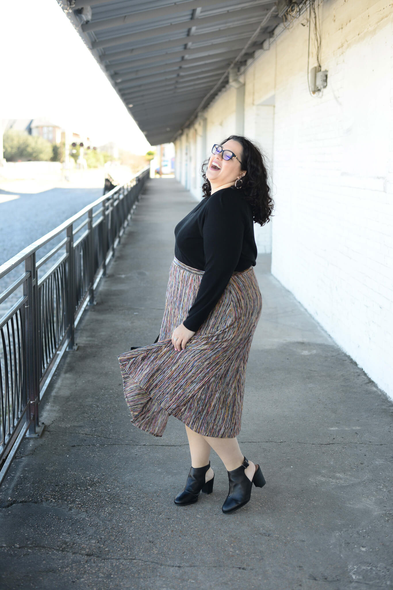 How to style a plus size skirt