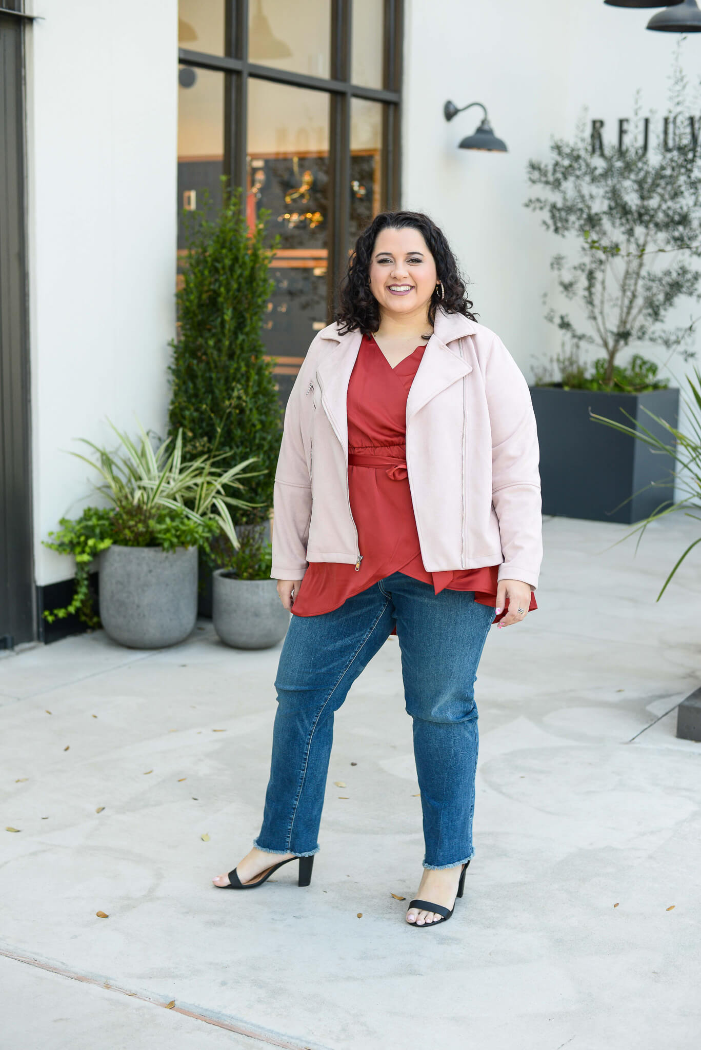 The perfect plus size date night outfit