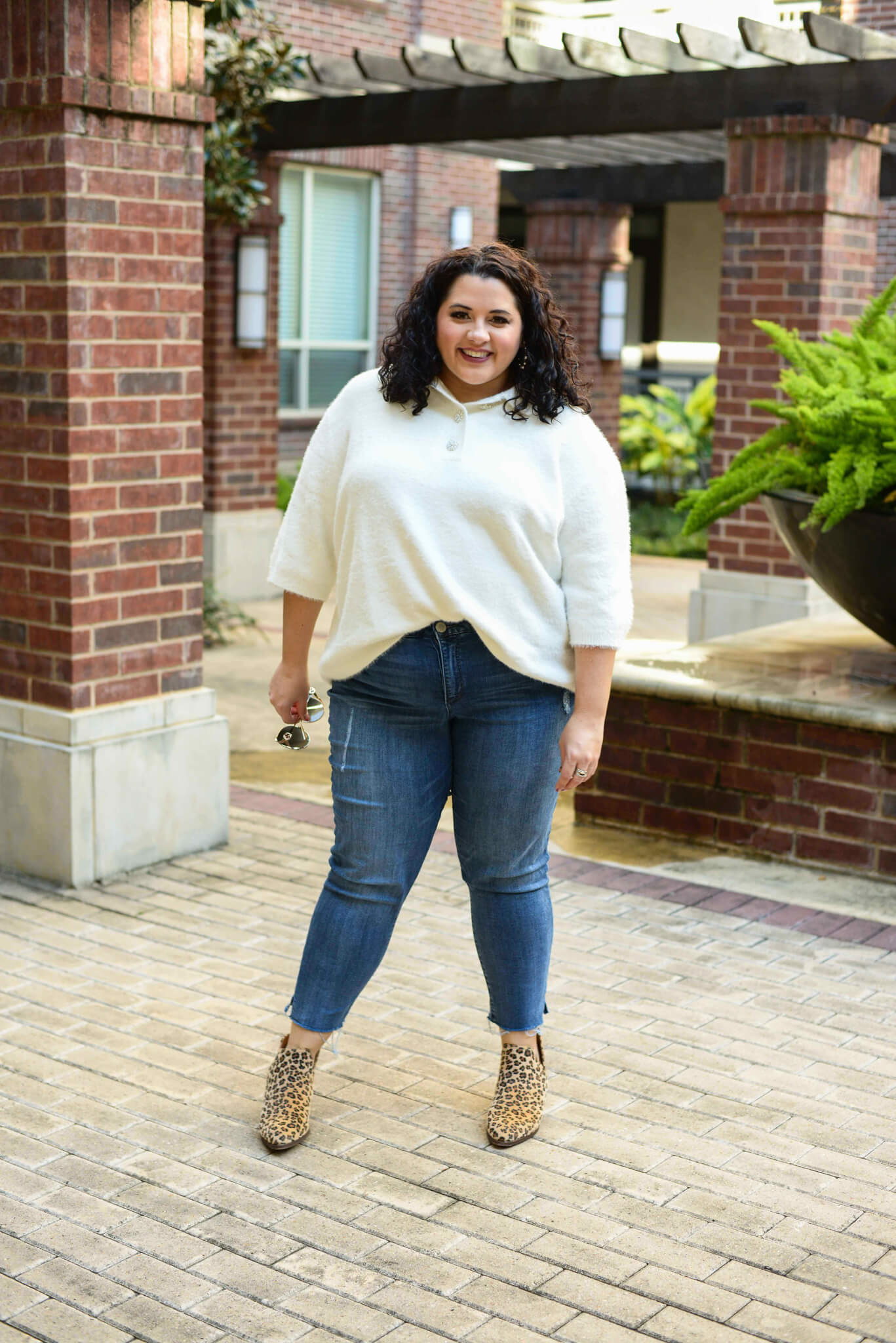 Plus size short sleeve cream sweater for Thanksgiving