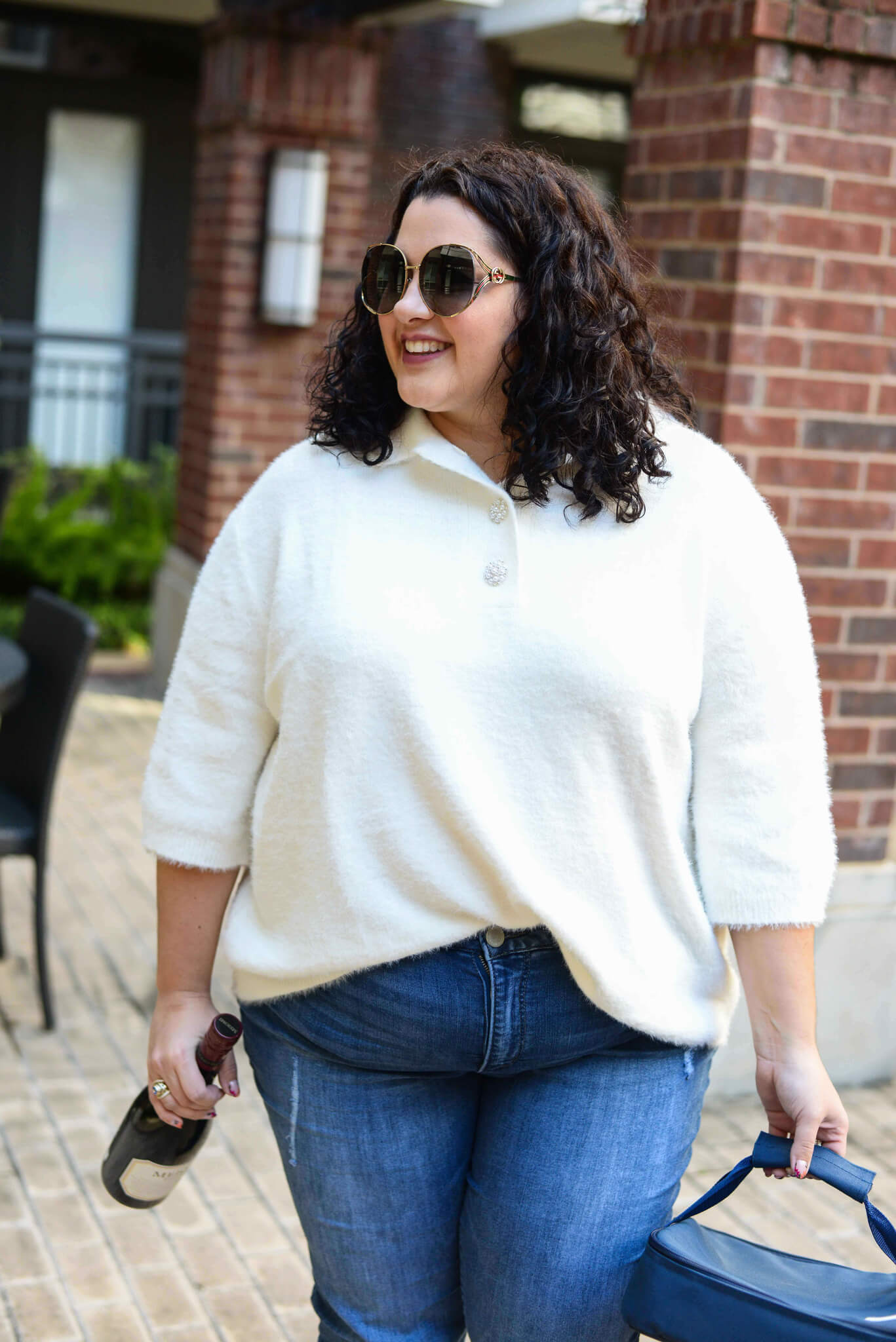 Choosing an outfit to wear to Thanksgiving dinner can be difficult, but this short sleeve cream sweater from H&M immediately captured my attention and is perfect for Turkey Day celebrations