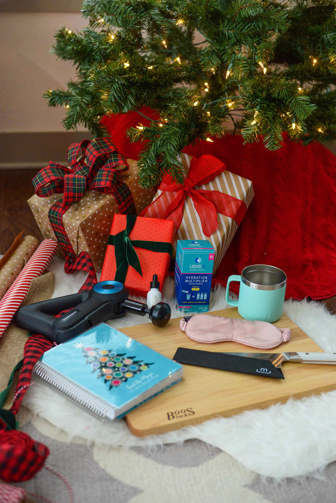 2020 Holiday Gift Guide for the Girl Boss, Home Chef, Frequent Traveler, Clean Beauty and Man in Your Life